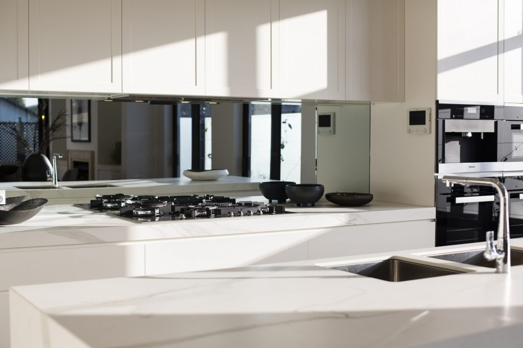 Which Is Better? Duct Or Ductless Range Hood?
