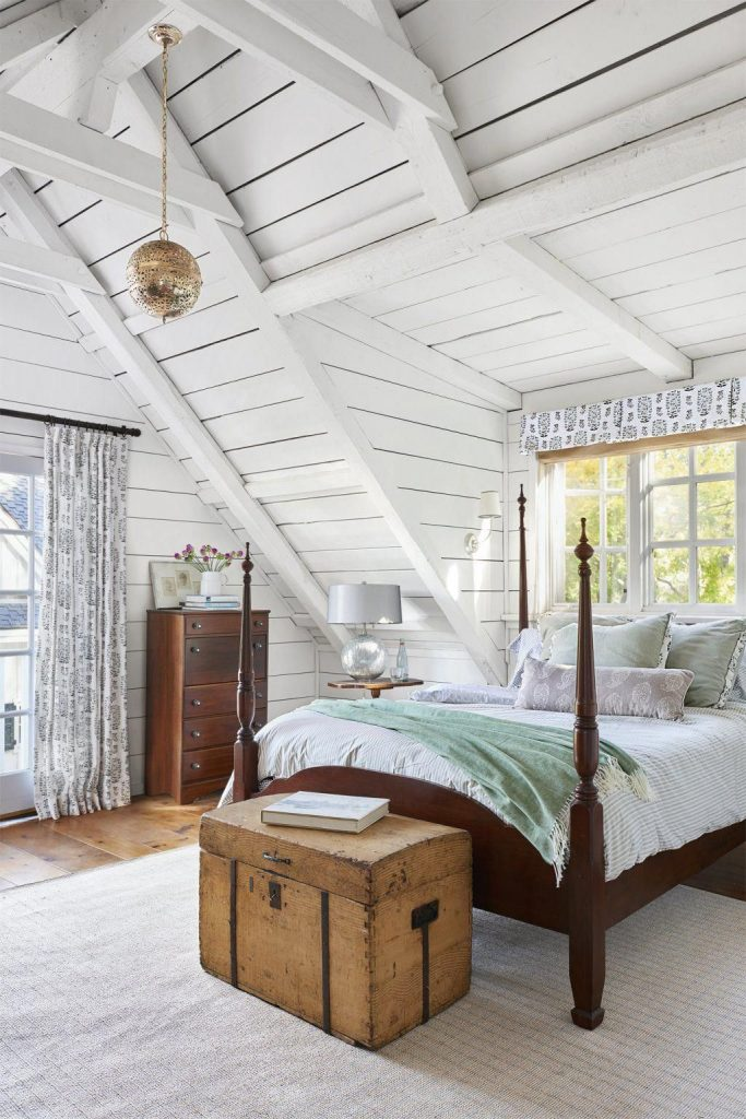 Bedroom With Four Poster Beds